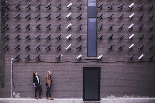 nombreuses caméras de surveillance
