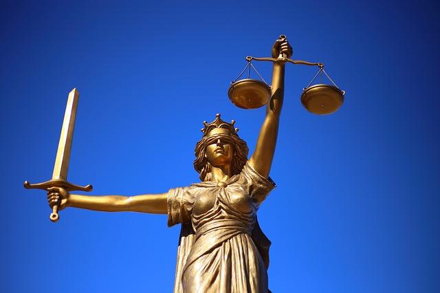 symbole loi statue balance